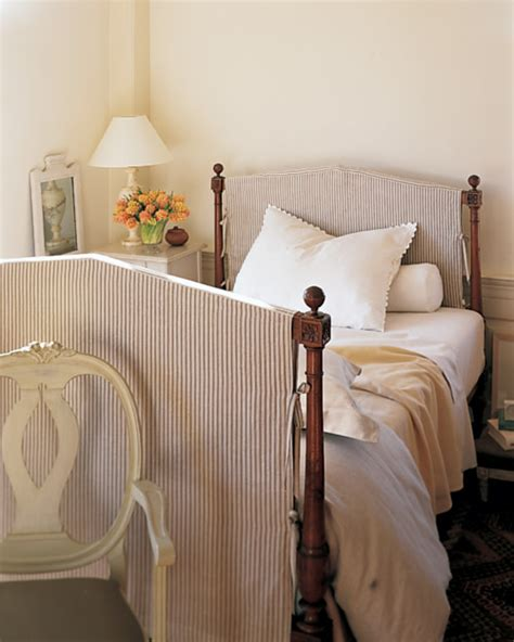 Headboard With Slipcover Slipcovered Headboard Step By Step Diy Craft How To S And Martha Stewart