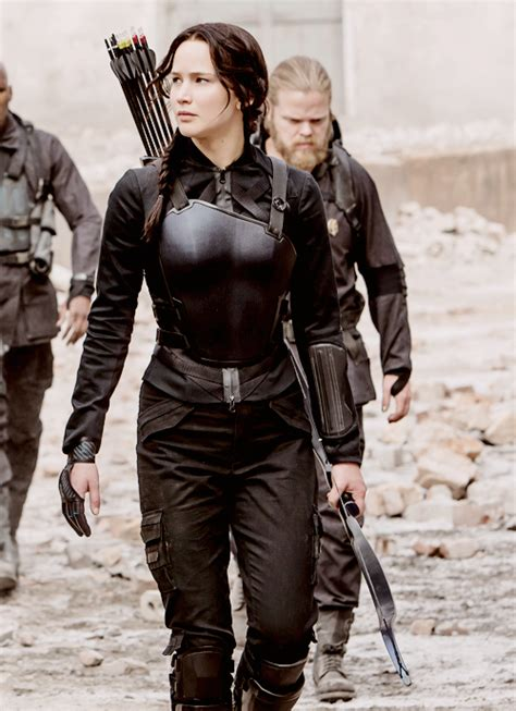 the hunger games katniss everdeens mockingjay suit 5 ultimate costume guide of katniss everdeen from hunger