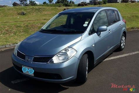 nissan tiida hatchback 2005 2005 nissan tiida hatchback for sale 255 000 rs