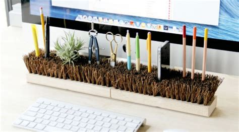 Design Your Home Online Game invert broom heads to organise your desk lifehacker