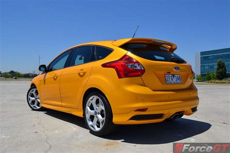 ford focus review  focus st