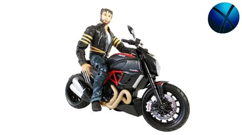 Maisto 1 12 Ducati Diavel Carbon Motorcycles marvel legends the wolverine 1 12 ducati diavel carbon by maisto review