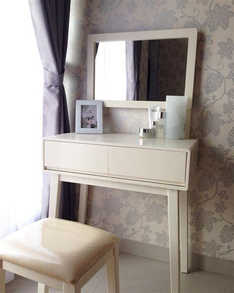 model meja rias minimalis modern terbaru  dekor rumah