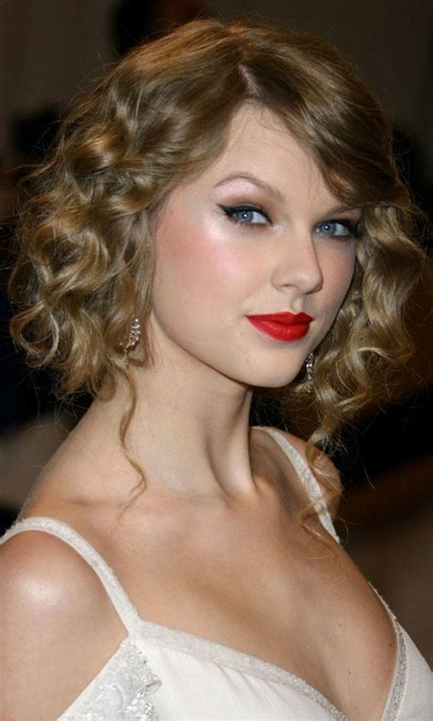 taylor swift gorgeous inspiration wedding hairstyles celebrity hair inspiration updo