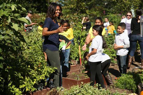 Michelle Obama Giudice Di Junior Masterchef Deabyday Tv Obama Vegetable Garden
