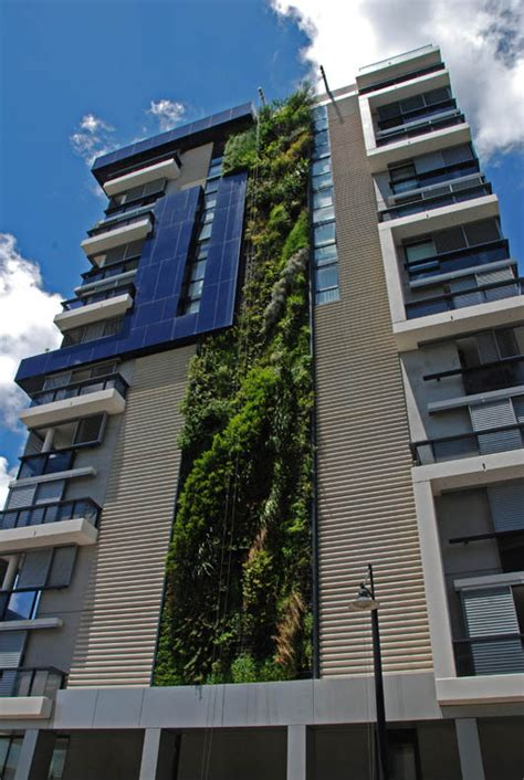 15 vertical gardens around the world 171 twistedsifter