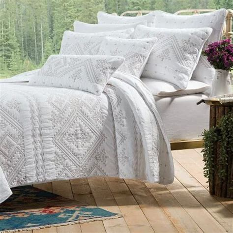 Quilted Bedspreads European Luxury Bedspread 3pcs Embroidery Quilt Cotton