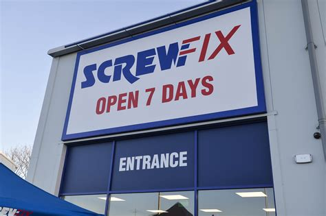 screwfix jobs screwfix to create 11 new jobs in melton mowbray
