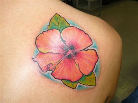 shoulder flower tattoos hawaiian flower tattoos on shoulder