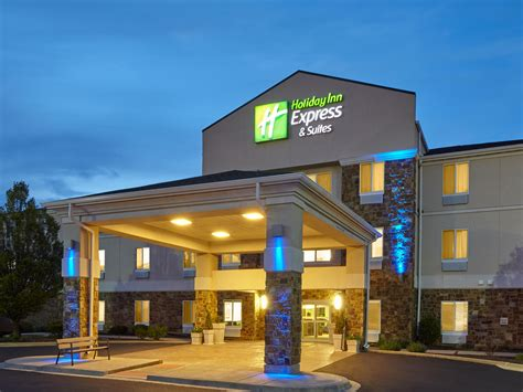 difference between inn and inn express inn express suites pekin peoria area hotel by ihg