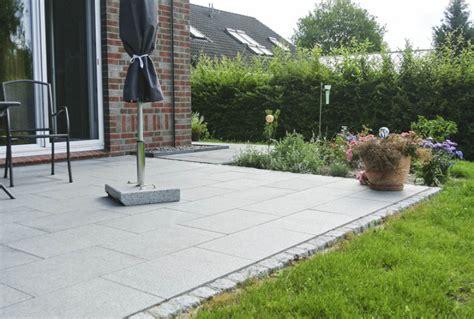 terrasse grau pflasterarbeiten granitstufen und terrasse bollmeyer bau