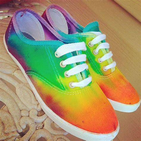 tie dye shoes diy diy tie dye shoes thing i to do