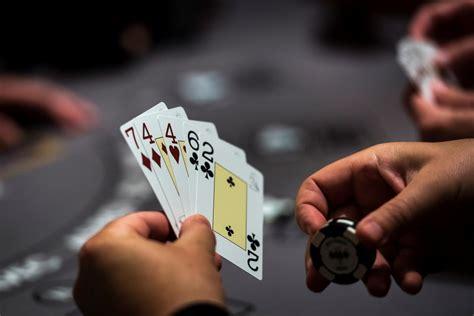jenis poker   bisa menghasilkan uang