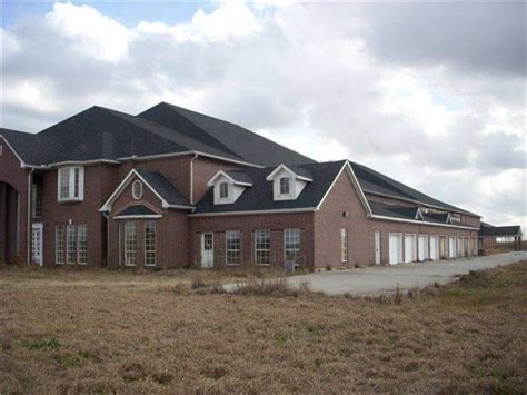 30 bedroom house for sale gigantic 30 bedroom 30 bathroom house for sale in texas