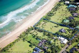 Four Bedrooms For Rent Julia Roberts Slashes The Price Of Her Historic Hawaiian