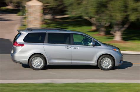 Toyota Camry Minivan Toyota Camry Se Sport Returns For 2014 Prices