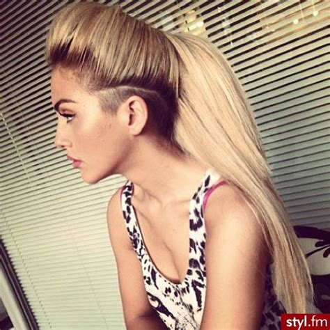 extension in shaved back and side hair best 25 undercut ponytail ideas on pinterest