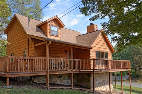 Cheap Cabin Rentals In Pigeon Forge by Pigeon Forge Four Bedroom Cabin Rental Convenient To