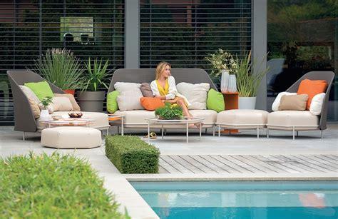 decoracion de piscinas y jardines muebles de jard 237 n consejos para elegir el material m 225 s