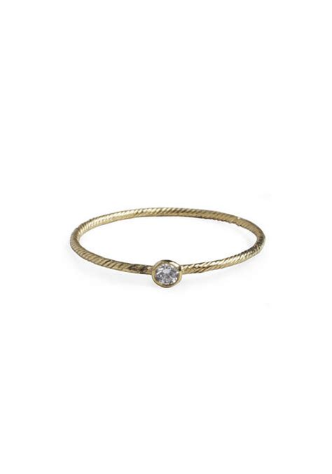 we adore the simple textured band and small 10