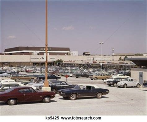lighting store king of prussia 1000 ideas about mall stores on 1980s