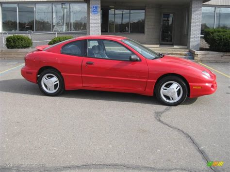1997 bright red pontiac sunfire gt coupe 20533807 1997 bright red pontiac sunfire gt coupe 20533807 gtcarlot com car color galleries