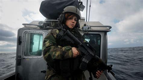 wallpaper girl military download women soldiers wallpaper 1600x900 wallpoper 241564