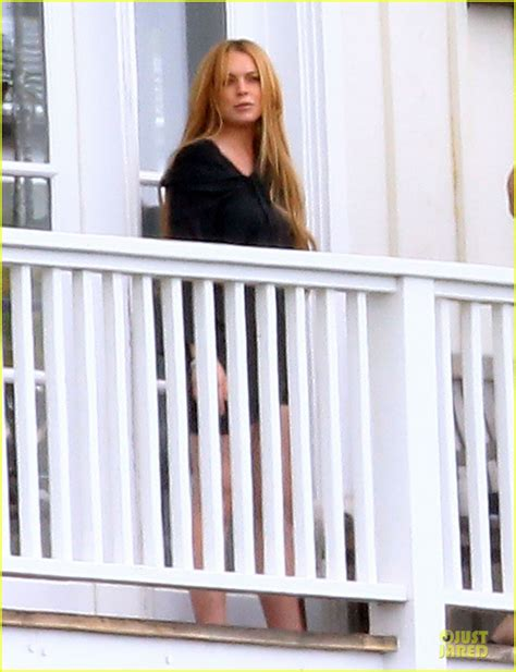 Lindsay Lohan And Away The Rehab by Lindsay Lohan Rehab Center Bonding With Friends Photo
