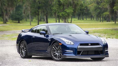 skyline nissan 2016 2016 nissan gt r review autoevolution