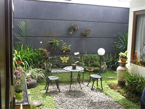 teras  taman belakang rumah minimalis desain tipe rumah