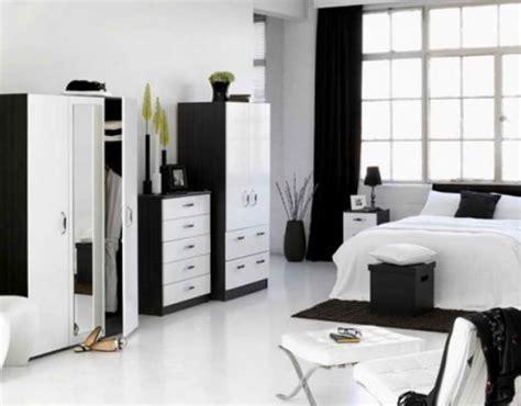 design gambar dinding kamar hitam putih desain interior rumah minimalis dengan tema monokrom
