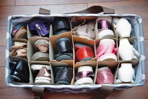 Lu Gantung Kayu agar sepatumu nggak berceceran membuat 10 rak sepatu ini