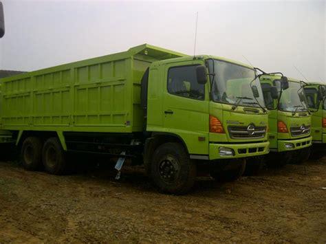 Truk Mixer Hino Bekas jual dump truk hino fm ranger kapasitas 20m3 24m3