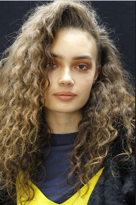 pictures of modern perms perms stage a comeback on the topshop unique runway at