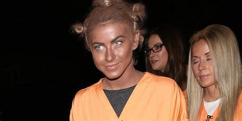 what is up with julianne forhead julianne hough dresses as crazy eyes for halloween