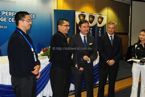Accenture Tie Ups For Mba by Proton Ties Up With Accenture To Rev Erp Autoworld My