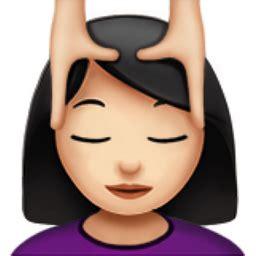 woman getting massage: light skin tone emoji (u+1f486, u+