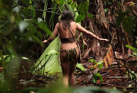 amanda de supervivencis al desnudo naked and afraid jungle reality on discovery the new