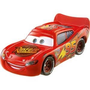 Lighting The Mcqueen Car To Play Disney Pixar Cars 2 Lightning Mcqueen Toys R Us