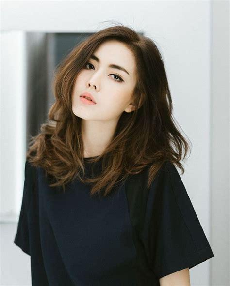 medium hairstyle korean best 25 medium asian hair ideas on korean medium hair asian hair medium length and