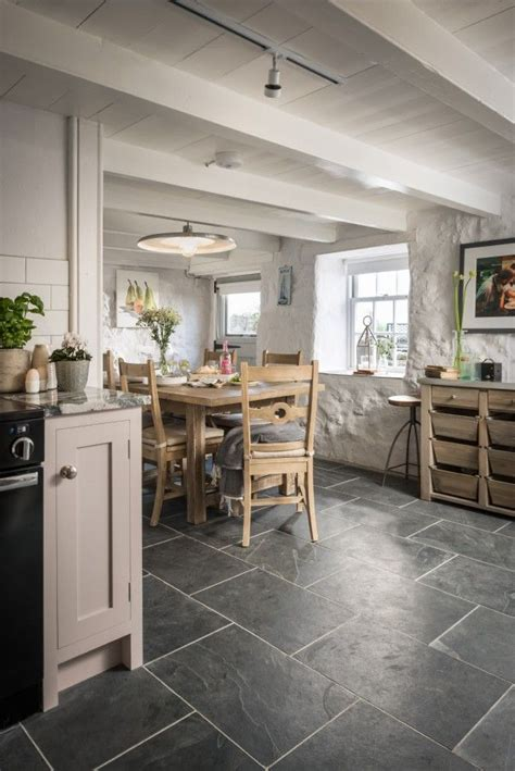 Luxury Cottage Interiors by 151 Best Images About Unique Kitchens On Lake