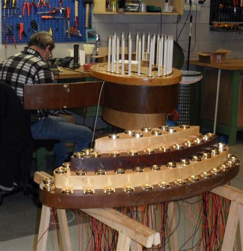 arredi sacri per chiese lavori personalizzati candelieri per chiese votivo it