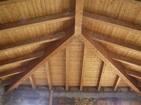 tetto padiglione giunto cnp a tre vie travi in legno lamellare cosimo
