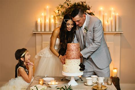 Wedding Cake Cutting by 55 Wedding Cake Cutting Songs Wedding Shows In The Uk
