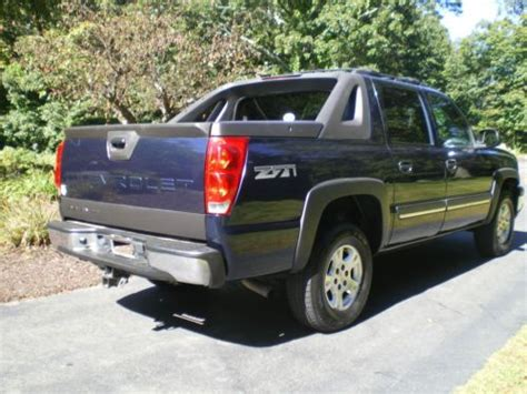 purchase used 2004 chevrolet avalanche 1500 z71 4x4 crew purchase used 2004 chevrolet avalanche 1500 z71 crew cab pickup 4 door 5 3l in canton