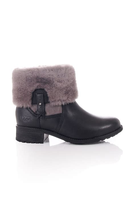 ugg womens ugg chyler water resistant ankle boot with fur