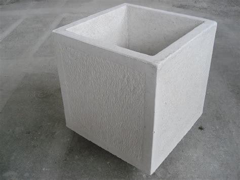 vaso in cemento vaso bugnato in cemento torino 40x40 h45cm edilrapid trana
