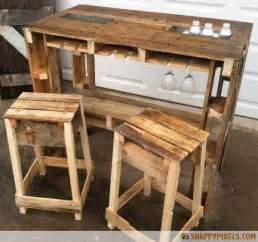 Free Woodworking Table Lamp Plans by 107 Used Wood Pallet Projects And Ideas Snappy Pixels