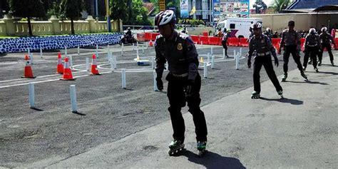 Sepatu Roda Klaten amankan natal polisi pakai sepatu roda 187 timlo net