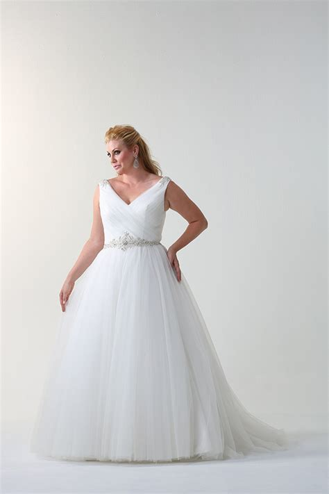 Plu Size Wedding Dresses by Where To Find Plus Size Wedding Dresses Onefabday